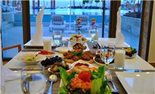 Ramada Resort by Wyndham Dead Sea Dining - Dinner Setting